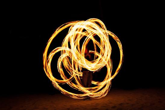 Spektakuläre Feuerkünstler buchen