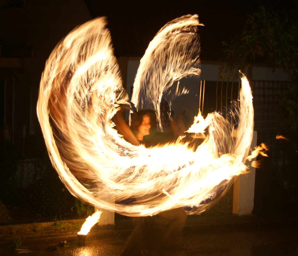 Tanja Feuerherz - Feuershows für Bayern